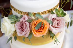 Tori_Sterling_Quiet_Meadow_Farms_Mapleton_Utah_White_Gold_Wedding_Cake_Detail.jpg