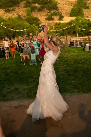 Tori_Sterling_Quiet_Meadow_Farms_Mapleton_Utah_Bride_Tossed_Bouquet.jpg