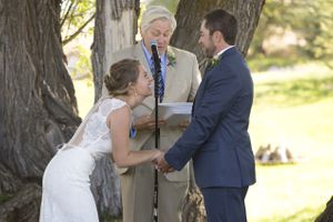 McCall_Brad_High_Star_Ranch_Kamas_Utah_Laughing_Bride.jpg