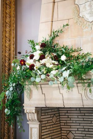 Chloe_Austin_Ben_Lomond_Suites_Ogden_Utah_Great_Gatsby_Flower_Detail_Mantle.jpg