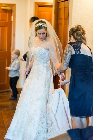 April_Matt_Park_City_Legacy_Lodge_Park_City_Utah_Bride_Final_Touches.jpg