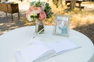 Kristin_Haven_Blacksmith_Fork_Canyon_Hyrum_Utah_Guestbook_Table.jpg