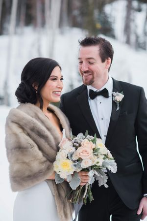 Julia_Mark_Silver_Lake_Lodge_Deer_Valley_Resort_Park_City_Utah_Bride_Groom_Frosty_Winter_Wonderland.jpg
