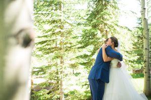 Chelsea_Walker_Red_Cliff_Ranch_Heber_City_Utah_First_Look_Embrace.jpg