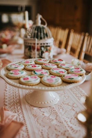 Tea_Party_Baby_Shower_Provo_Utah_Tea_Cookies_Chiavari_Chairs.jpg