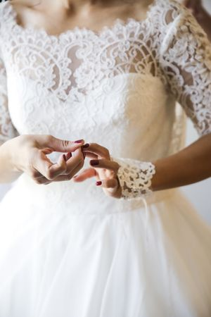 Tina_Dan_Snowbird_Resort_Snowbird_Utah_Bride_Finishing_Touches.jpg