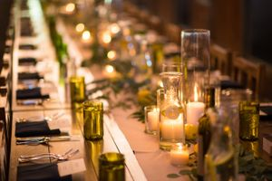 Chelsea_Walker_Red_Cliff_Ranch_Heber_City_Utah_Green_Lemon_Accented_Recption_Dinner_Table.jpg