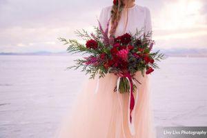 Salt_Air_Wedding_Shoot_Saltair_Resort_Salt_Lake_City_Utah_Bridal_Bouquet_Detail.jpg