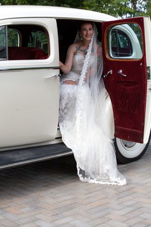 Natalie_Brad_South_Jordan_Utah_Bride_Sendoff_Car.jpg