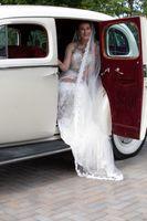 Natalie_Brad_South_Jordan_Utah_Bride_Sendoff_Car.jpg