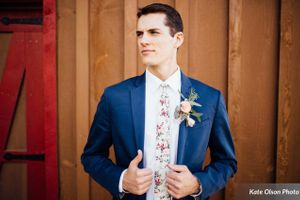 Charming_Barn_Wedding_Quiet_Meadow_Farms_Mapleton_Utah_Trendy_Groom.jpg
