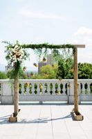 Tessa_Taani_Utah_State_Capitol_Salt_Lake_City_Utah_Pineapple_Adorned_Backdrop.jpg