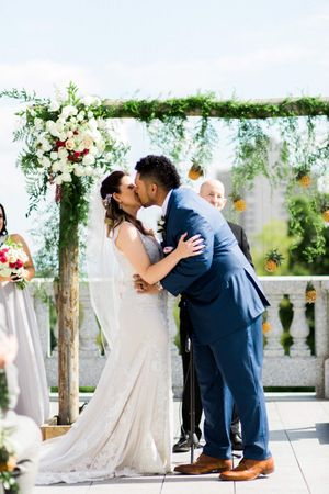Tessa_Taani_Utah_State_Capitol_Salt_Lake_City_Utah_Ceremony_You_May_Now_Kiss_the_Bride.jpg