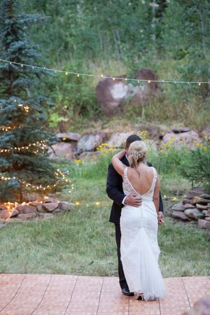 Evelyn_Kevin_Park_City_Utah_Couple_First_Dance.jpg