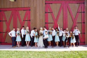 Tori_Sterling_Quiet_Meadow_Farms_Mapleton_Utah_Bride_Groom_Bridesmaids_Groomsmen.jpg
