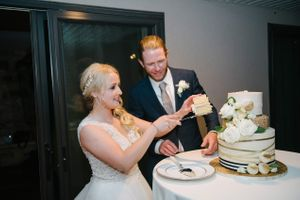 Tasha_Chip_Salt_Lake_City_Utah_Bride_Groom_Cutting_Cake.jpg