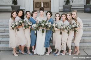 Lexie_Neil_Utah_State_Capitol_Salt_Lake_City_Utah_Bridesmaids_Outside_Bountiful_Temple.jpg