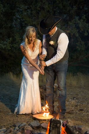 Kristin_Haven_Blacksmith_Fork_Canyon_Hyrum_Utah_Branding_Wood.jpg