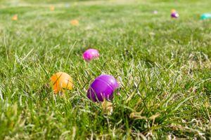 Zermatt_Spring_Extravaganza_2018_Zermatt_Utah_Resort_Midway_Utah_Easter_Eggs_in_Grass.jpg