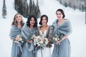 Julia_Mark_Silver_Lake_Lodge_Deer_Valley_Resort_Park_City_Utah_Bride_Bridesmaids_Outside_Snowy_Landscape.jpg