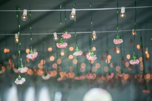 Katelyn_David_Park_City_Utah_Bistro_Lights_Pink_Carnations.jpg