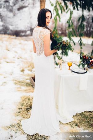 Romantic_Winter_Shoot_Bride_with_Elegant_Table.jpg