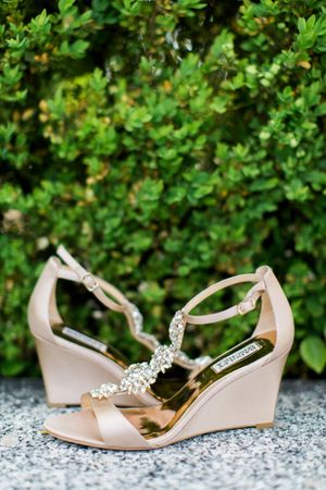 Tessa_Taani_Utah_State_Capitol_Salt_Lake_City_Utah_Bride_Detail_The_Shoes!.jpg