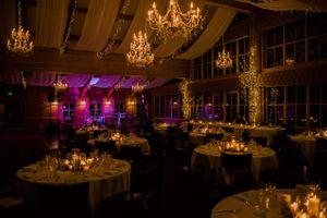 Julia_Mark_Silver_Lake_Lodge_Deer_Valley_Resort_Park_City_Utah_Softly_Glowing_Candlelit_Dinner_Tables.jpg