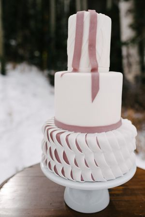 Rocky_Mountain_Bride_Winter_Elopement_Deer_Valley_Empire_Lodge_Deer_Valley_Resort_Park_City_Utah_Wedding_Cake_Mauve_Accents.jpg