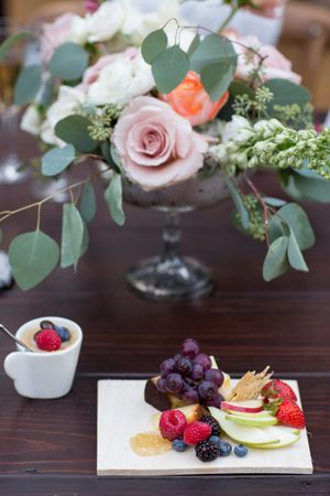 Evelyn_Kevin_Park_City_Utah_Delicious_Desserts_Stunning_Centerpiece.jpg