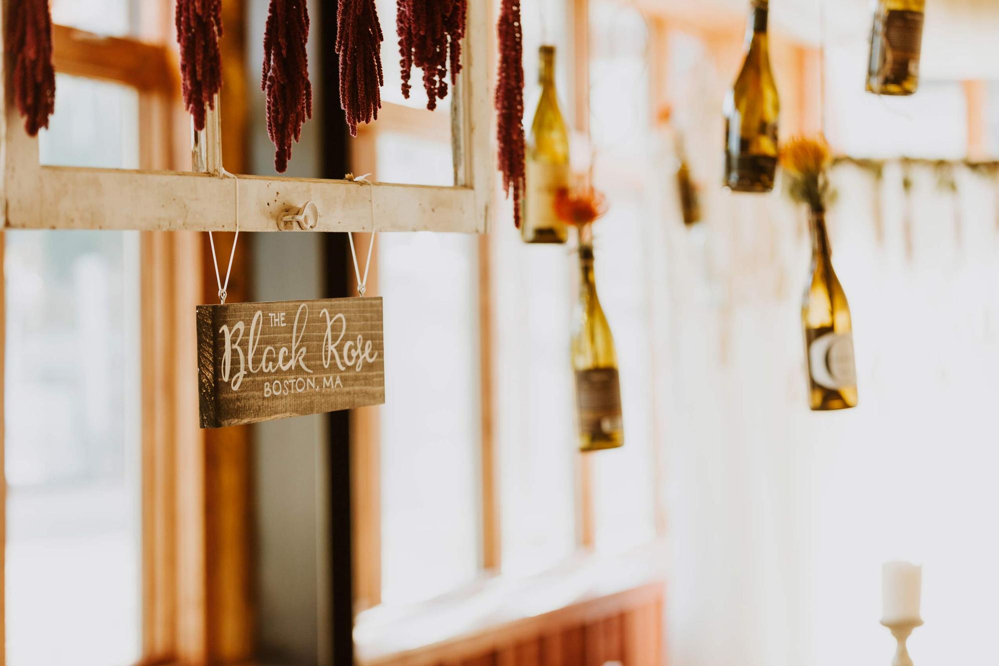 Linnea_Chaz_Red_Pine_Lodge_The_Canyons_Park_City_Frames_Wine_Bottle_Decor.jpg