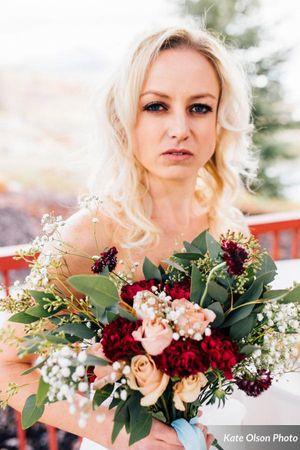 Modern_Vintage_Wedding_Styled_Zermatt_Resort_Midway_Utah_Vibrant_Fall_Flowers.jpg