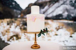 Romantic_Winter_Shoot_Pale_Pink_Cake.jpg