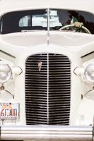 Natalie_Brad_South_Jordan_Utah_Antique_Sendoff_Car.jpg