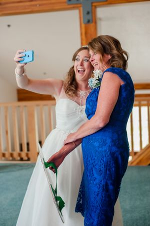 Ashley_Dan_Solitude_Resort_Solitude_Utah_Bride_and_Guest_Selfie.jpg