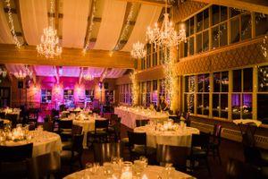 Julia_Mark_Silver_Lake_Lodge_Deer_Valley_Resort_Park_City_Utah_Chandelier_Candlelit_Dinner_Tables.jpg