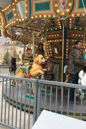 Zermatt_Swiss_Christmas_2017_Zermatt_Utah_Midway_Utah_Resort_Carousel_Fun_Bear.jpg