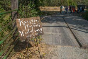 Kristin_Haven_Blacksmith_Fork_Canyon_Hyrum_Utah_Wedding_Welcome_Sign.jpg
