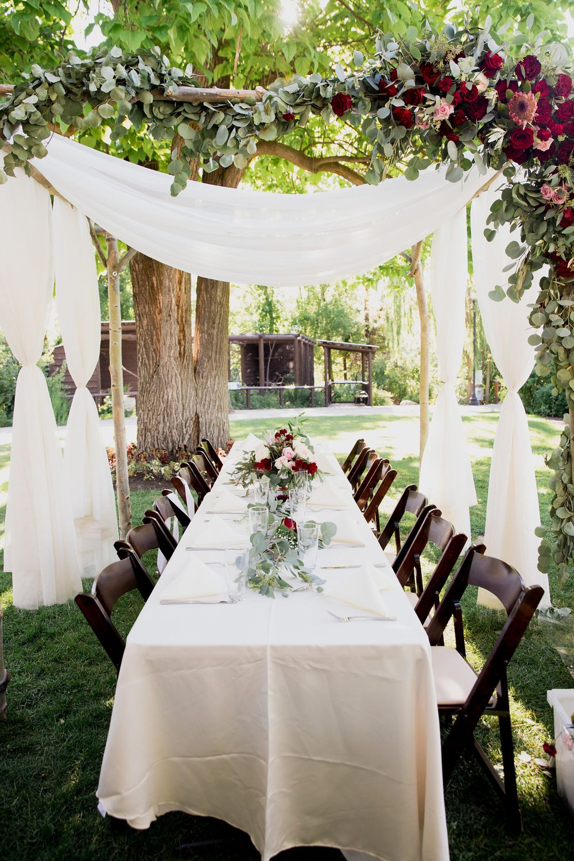 Liz_Jordan_Tracy_Aviary_Salt_Lake_City_Utah_Beautiful_Table_Under_Chuppah.jpg