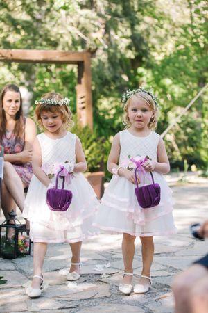 Claire_Scott_Millcreek_Inn_Salt_Lake_City_Utah_Wedding_Flower_Girls.jpg