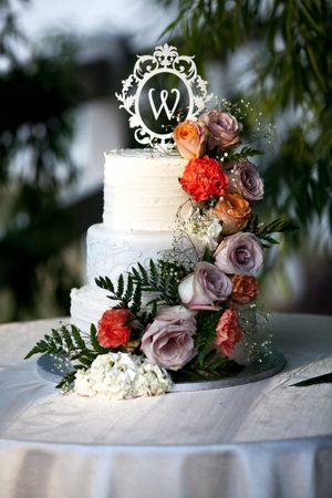 Natalie_Brad_South_Jordan_Utah_Flower_Wedding_Cake.jpg