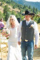 Kristin_Haven_Blacksmith_Fork_Canyon_Hyrum_Utah_Bride_Groom_Leaving_Ceremony.jpg