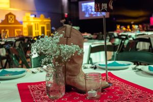 The_Local_Pages_2017_Infinity_Event_Center_Salt_Lake_City_Utah_Table_Decor_Closeup.jpg