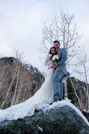 Shauna_Blake_Northampton_House_American_Fork_Utah_Bride_Groom_Rock.jpg