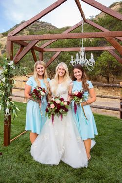 Tori_Sterling_Quiet_Meadow_Farms_Mapleton_Utah_Bride_Bridesmaids_Chandelier_Backdrop.jpg
