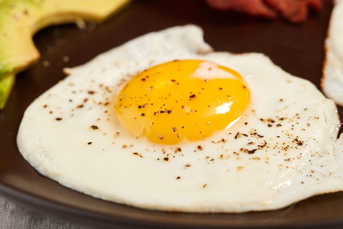 Sunny side up egg photo