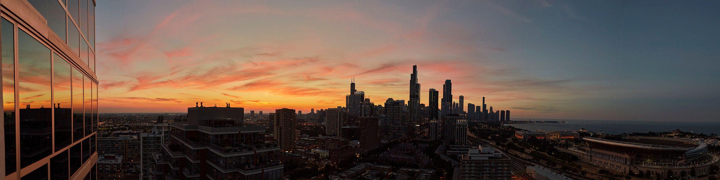 Chicago_Sunset_-1_horz_fb.jpg